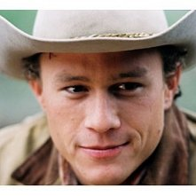 un intenso ed emozionante primo piano di Heath Ledger ne I segreti di Brokeback Mountain