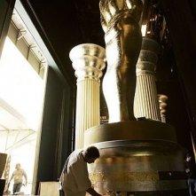 Pittura del basamento di un Oscar oversize