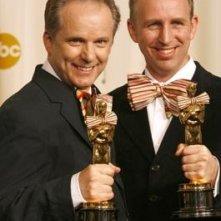 Steve Box e Nick Park con i loro Oscar personalizzati
