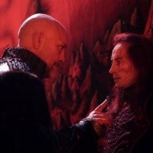 John Malkovich e Robert Carlyle in Eragon