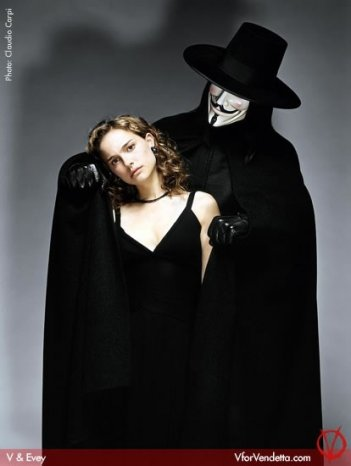 Hugo Weaving e Natalie Portman in V for Vendetta