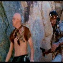 Michael Berryman e James Whitworth in una scena di LE COLLINE HANNO GLI OCCHI