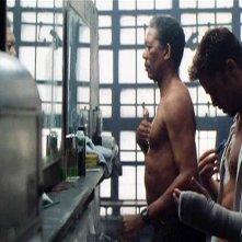 Morgan Freeman e Brad Pitt in una scena di SEVEN