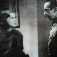 Greta Garbo e Bela Lugosi in una scena di NINOTCHKA
