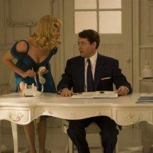 Uma Thurman con Matthew Broderick in una scena di The Producers
