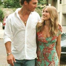 Matthew McConaughey e Sarah Jessica Parker nella commedia A casa con i suoi