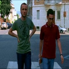 Ivan Morales e Elio Germano in una scena di TI PIACE HITCHCOCK?