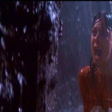 JoBeth Williams in una scena di POLTERGEIST