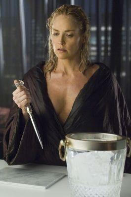 Sharon Stone impugna di nuovo il rompighiaccio in Basic Instinct 2