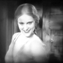 Una sorridente Camilla Horn in una scena di FAUST