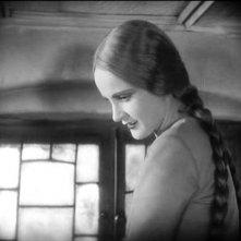 Camilla Horn in una scena di FAUST di  Murnau