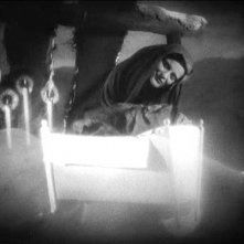 FAUST di F.W. Murnau: Camilla Horn in una scena del film