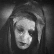 FAUST di F.W. Murnau: Camilla Horn in una scena della pellicola