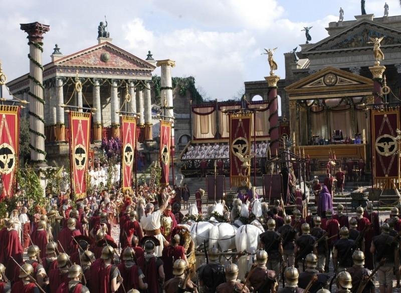 Una scena di massa della serie tv 'Roma'