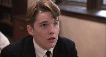 Ethan Hawke in una scena del film L'attimo fuggente