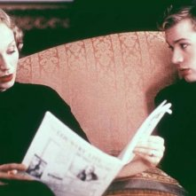 Kristin Scott Thomas e Ryan Phillippe in una scena di Gosford Park