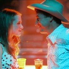 Evan Rachel Wood con Edward Norton in una scena di Down in the Valley
