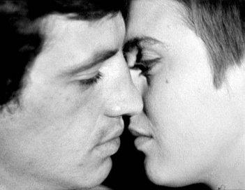Jean Seberg e Jean-Paul Belmondo in Fino all'ultimo respiro