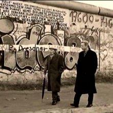 Curt Bois e Otto Sander in una scena di IL CIELO SOPRA BERLINO