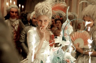 Kirsten Dunst è una maliziosa e fanciullesca Marie-Antoinette