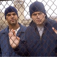 Amaury Nolasco e Wentworth Miller in una scena di Prison Break