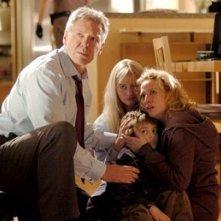 Harrison Ford, Carly Schroeder, Jimmy Bennett e Virginia Madsen in Firewall Accesso negato
