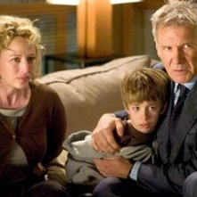 Virginia Madsen, Jimmy Bennett e Harrison Ford in Firewall Accesso negato