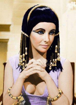 Elizabeth Taylor è Cleopatra