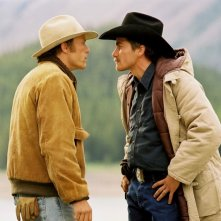 Heath Ledger e Jake Gyllenhaal ne I segreti di Brokeback Mountain