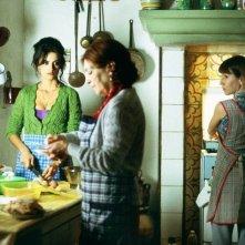 Carmen Maura, Lola Duenas e Penelope Cruz in Volver