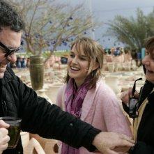 Natalie Portman e Hanna Laslo insieme a Amos Gitai sul set di Free Zone
