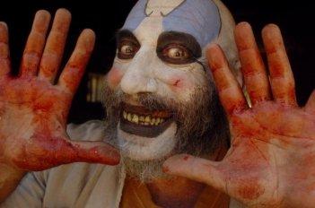 Sid Haig in una scena del film La casa del diavolo