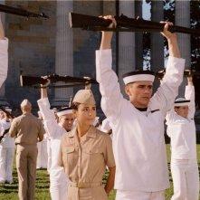 Jordana Brewster con James Franco in una scena del film Annapolis
