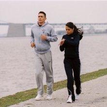 Jordana Brewster insieme a James Franco in una scena del film Annapolis