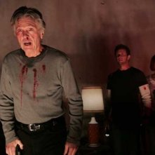 Tom Skerrit, Steven Weber e Kelly Overton in una scena di 'Desperation'