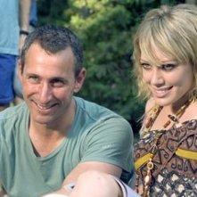 Director Adam Shankman e Hilary Duff sul set di Una scatenata dozzina 2