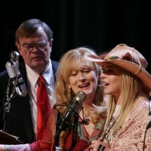 Garrison Keillor, Meryl Streep e Lindsay Lohan in una scena del film Radio America