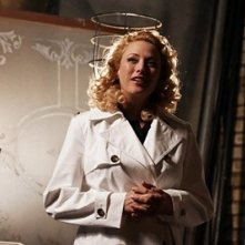 Virginia Madsen in una scena del film Radio America