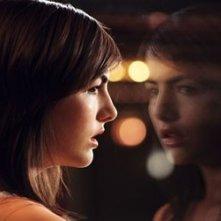 Camilla Belle in una scena del film Chiamata da uno sconosciuto