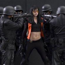 Milla Jovovich in una sequenza drammatica dell'action Ultraviolet