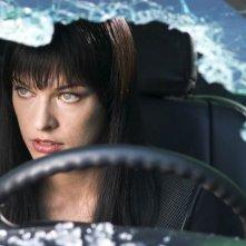 Milla Jovovich in una scena di Ultraviolet, diretto da Kurt Wimmer