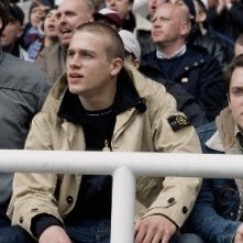 Charlie Hunnam e Elijah Wood in Hooligans