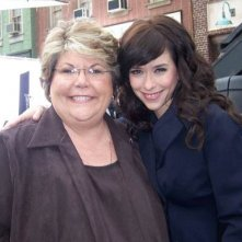 Jennifer Love Hewitt e la sensitiva Mary Ann sul set di Ghost Whisperer
