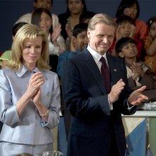 Kim Basinger e David Rasche in  una scena del film The Sentinel