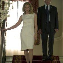 Michael Douglas e Kim Basinger in  una scena del film The Sentinel