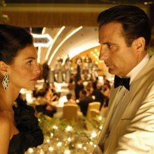 Ines Sastre e Andy Garcia in una scena del film The Lost City