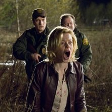 Nathan Fillion, Elizabeth Banks e Don Thompson in Slither