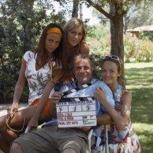 Eleonora Pedron, Francesca Cavallin e Benedetta Valanzano con Jerry Calà sul set di Vita Smeralda