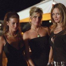 Eleonora Pedron con Francesca Cavallin e Benedetta Valanzano in una scena di Vita Smeralda