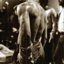 Sean Bean in una scena di Caravaggio